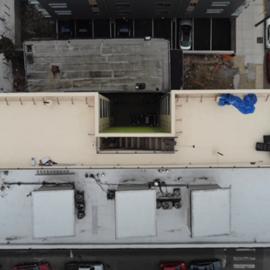 Inšpekcia plochej strechy s dronom