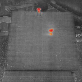 Termovízia strechy s dronom msx snímok